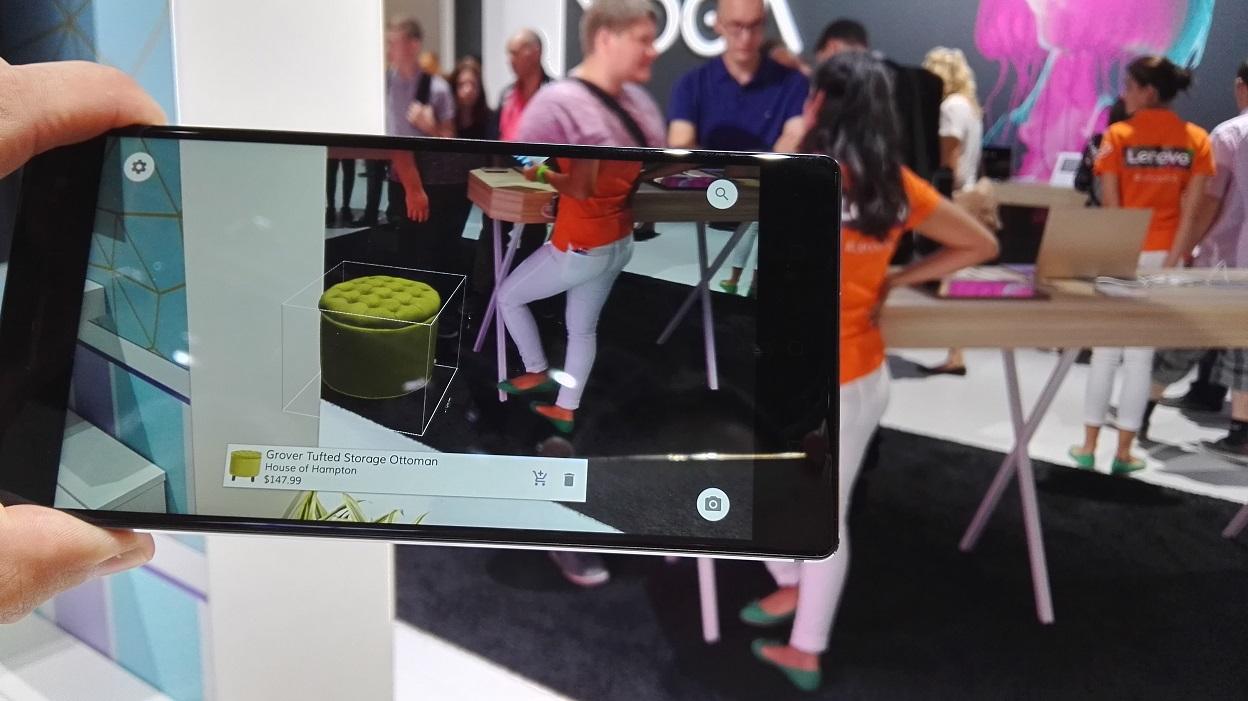 Com o Phab 2 Pro, poderá ver um objeto virtual no espaço