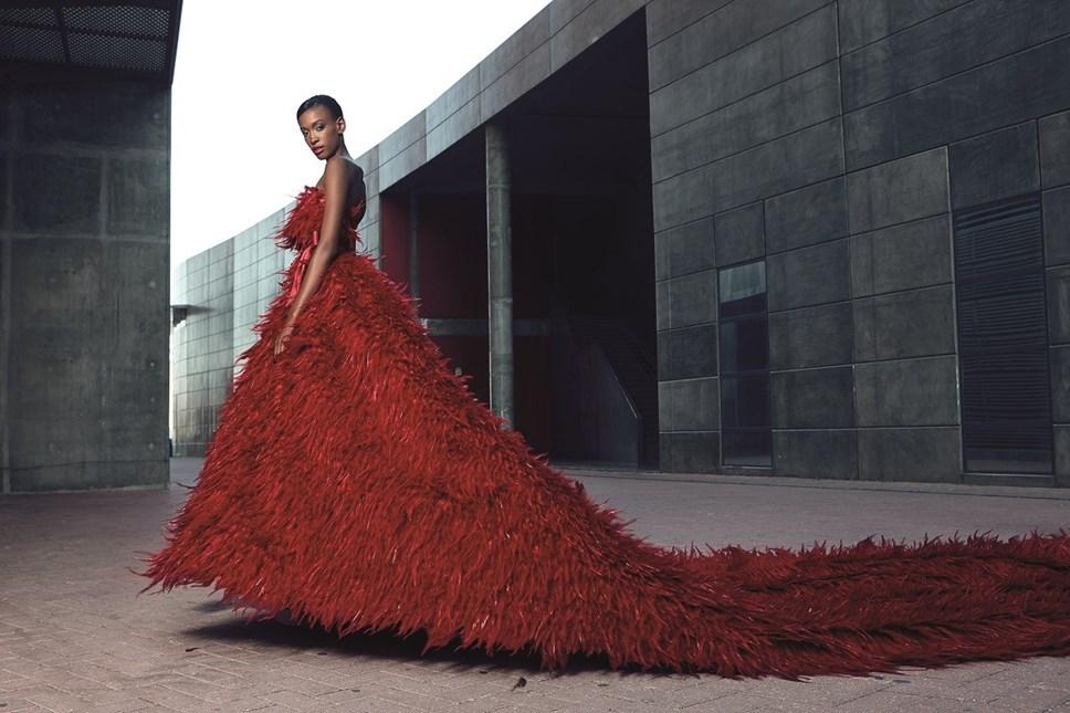 Design e criação dos vestidos fica a cargo da estilista Micaela Oliveira e vão fazer parte da lista de produtos oficiais do clube.