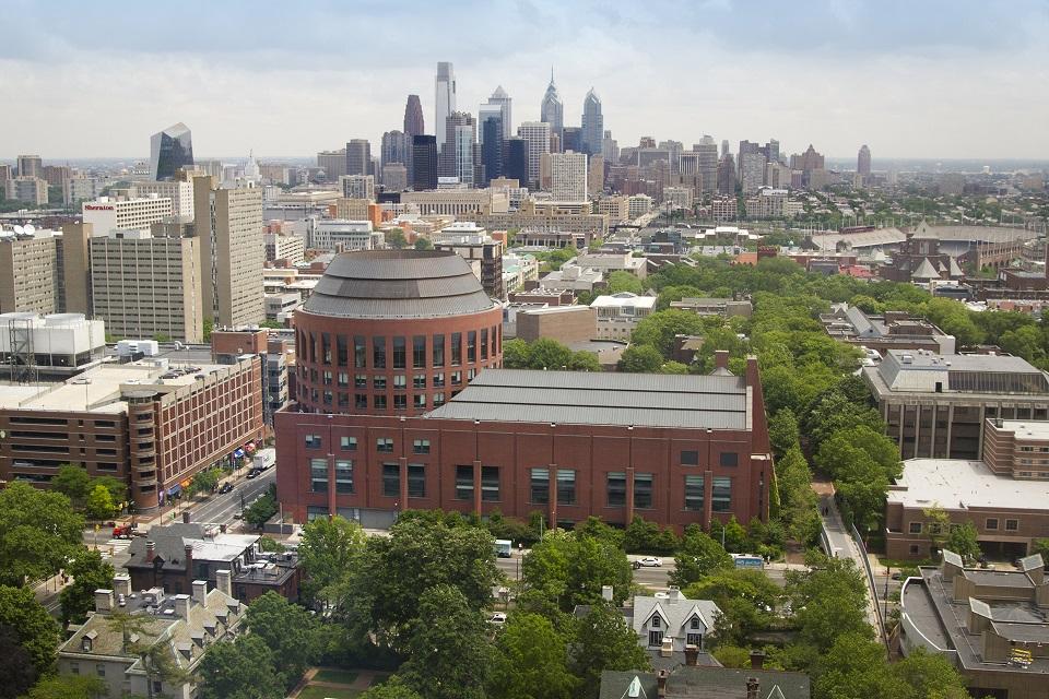 Wharton School (EUA) - Numa das universidades mais prestigiadas na área dos negócios, os estudantes que querem tirar um MBA de dois anos pagam 192.900 dólares (184.590 de euros).