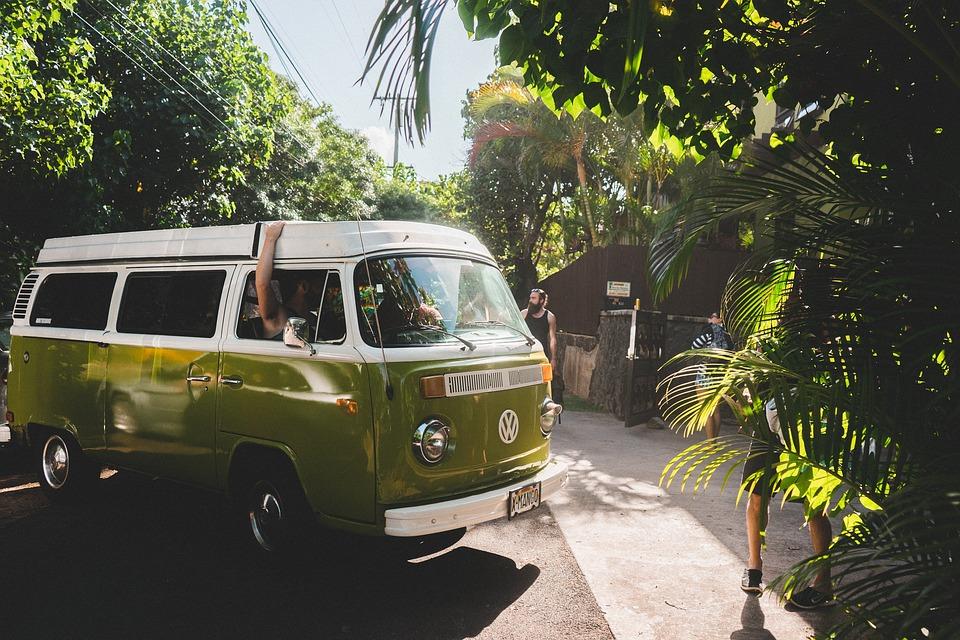 Conheça os habitantes do seu destino - Entre em contacto com os locais. Eles podem dar-lhe conselhos e, quem sabe, sugerir algum sítio que poucos turistas conhecem.