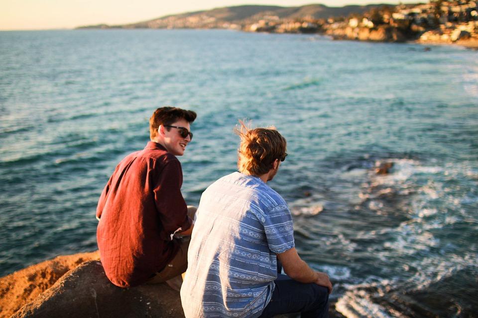 Escolha bem o seu parceiro de viagens - Se vai viajar acompanhado, é importante ir com alguém que tenha os mesmos interesses que os seus.