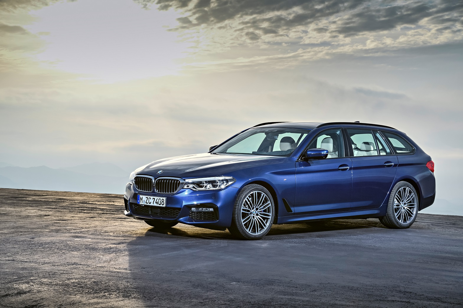 p90245005_highres_the-new-bmw-5-series