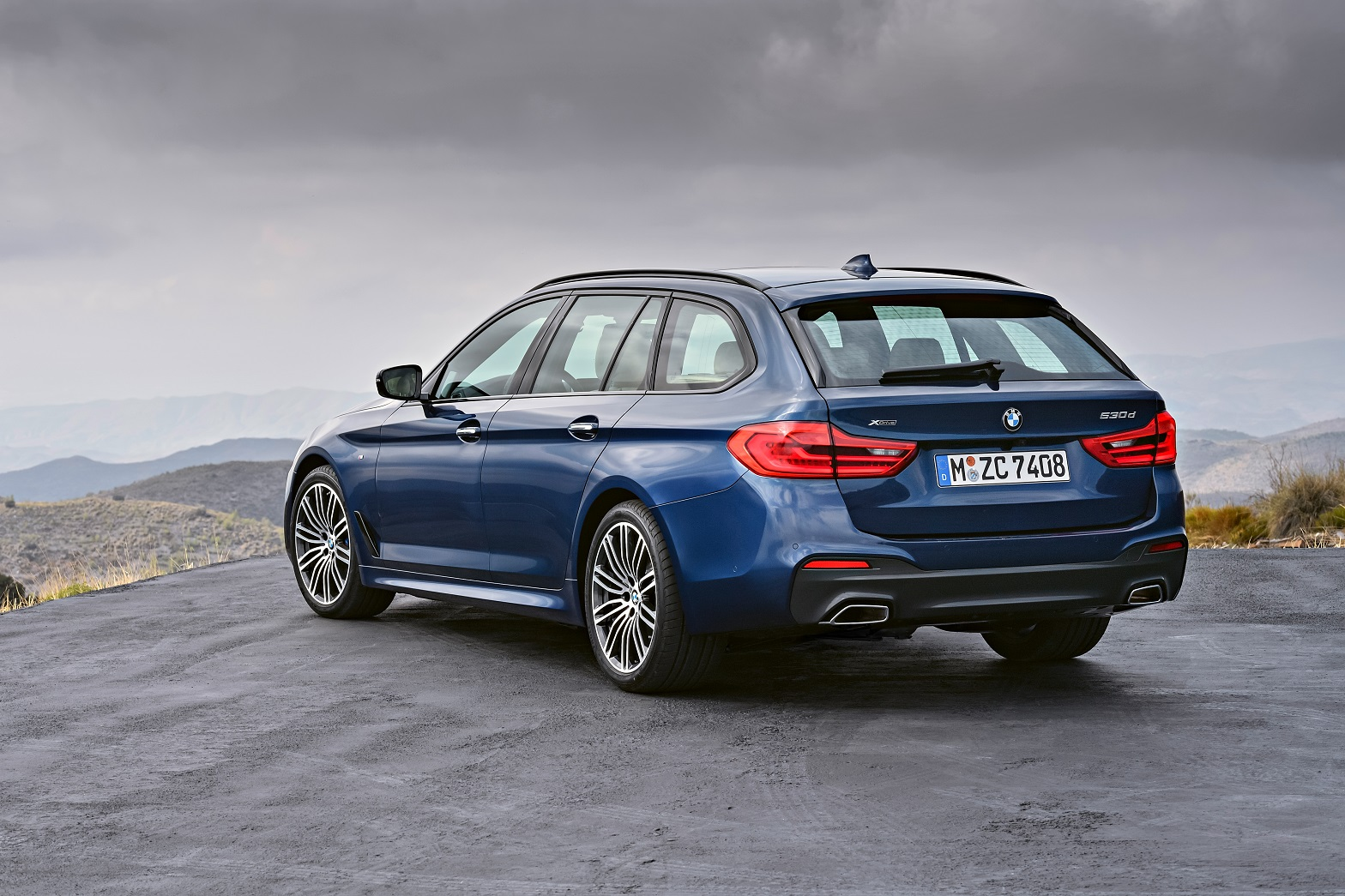 p90245011_highres_the-new-bmw-5-series