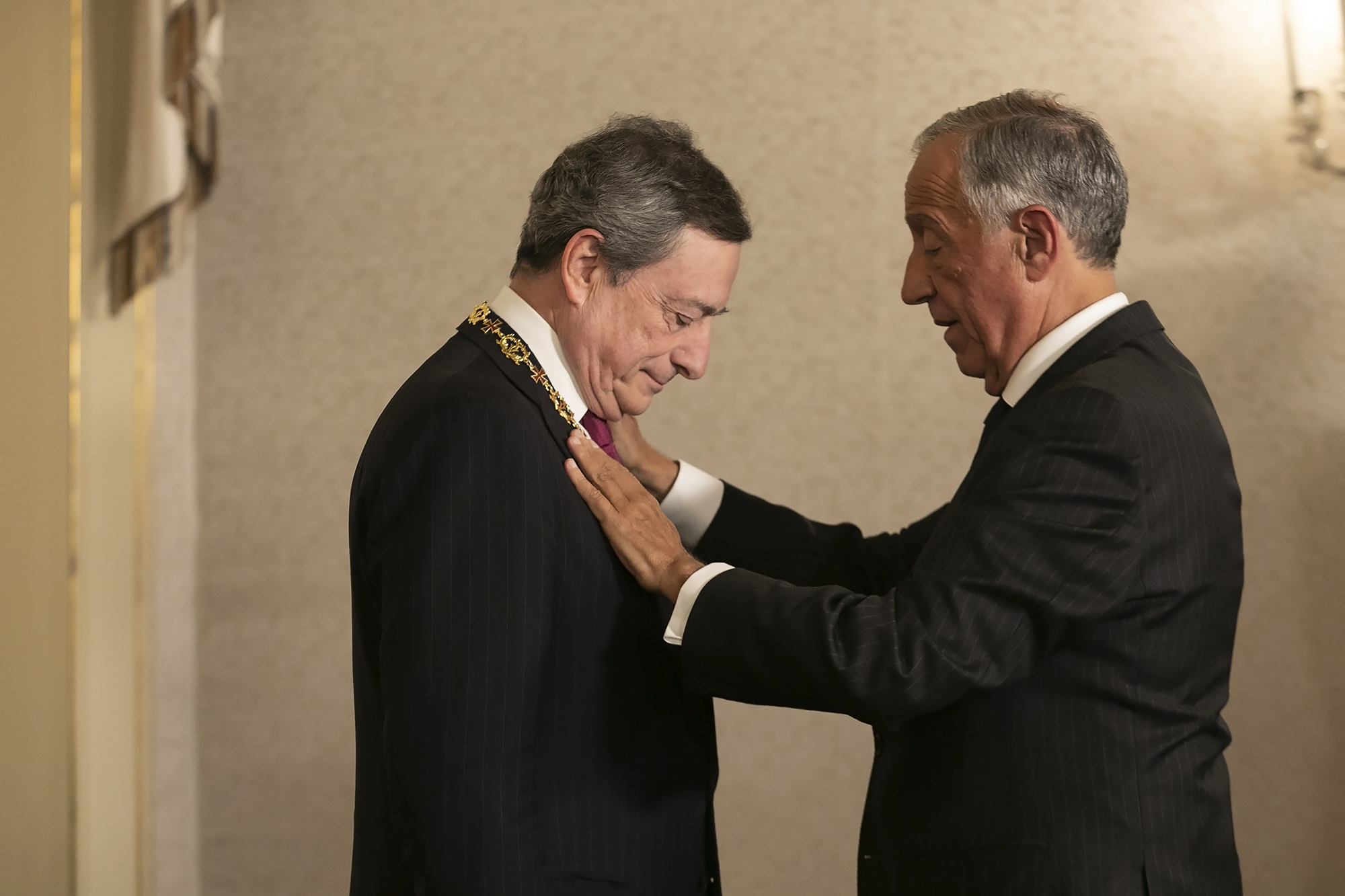 Mario Draghi, presidente do BCE é condecorado por Marcelo Rebelo de Sousa - 19JUN19