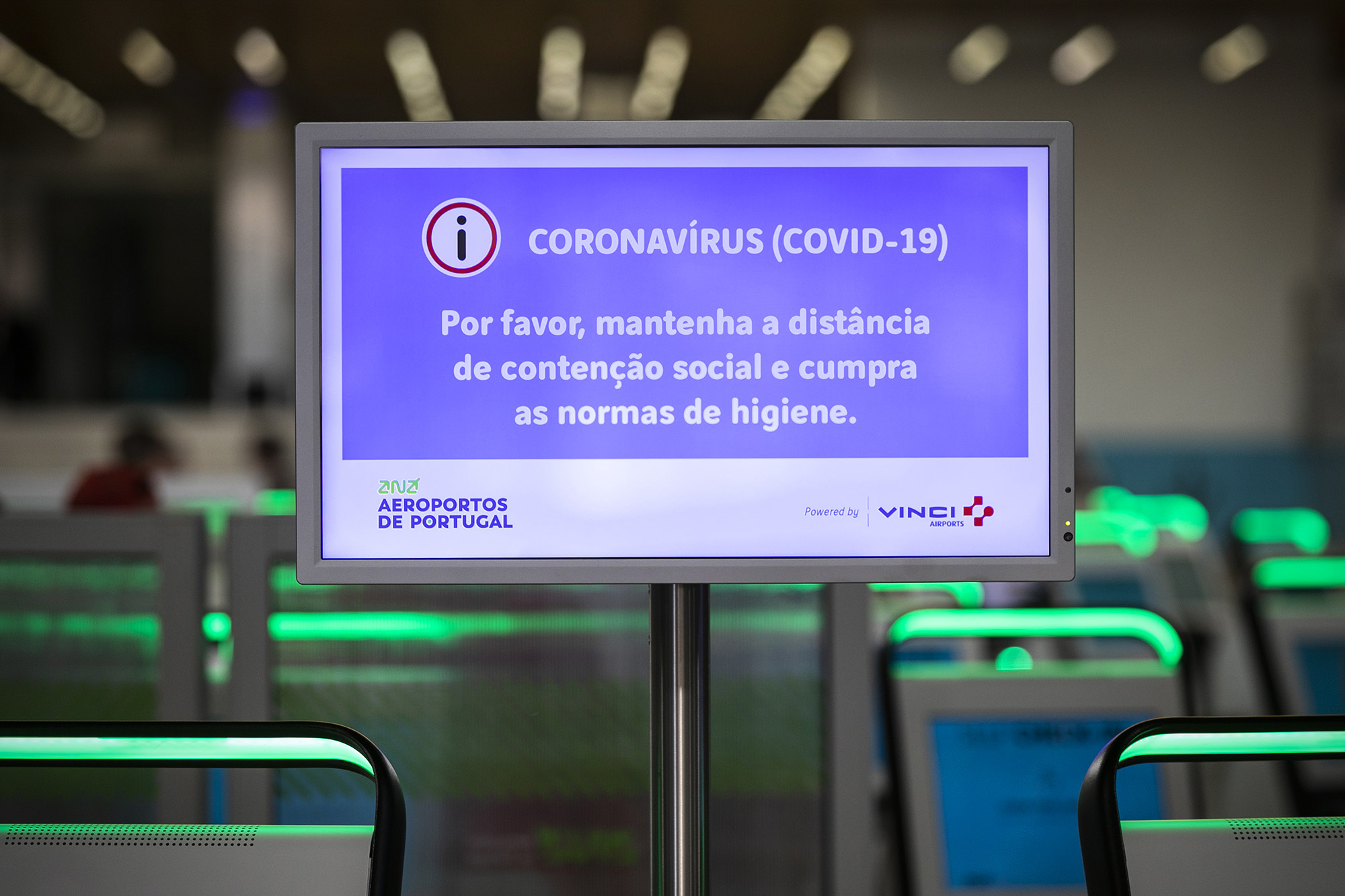 Aeroporto de Lisboa em tempo de pandemia do COVID-19 - 19MAR20