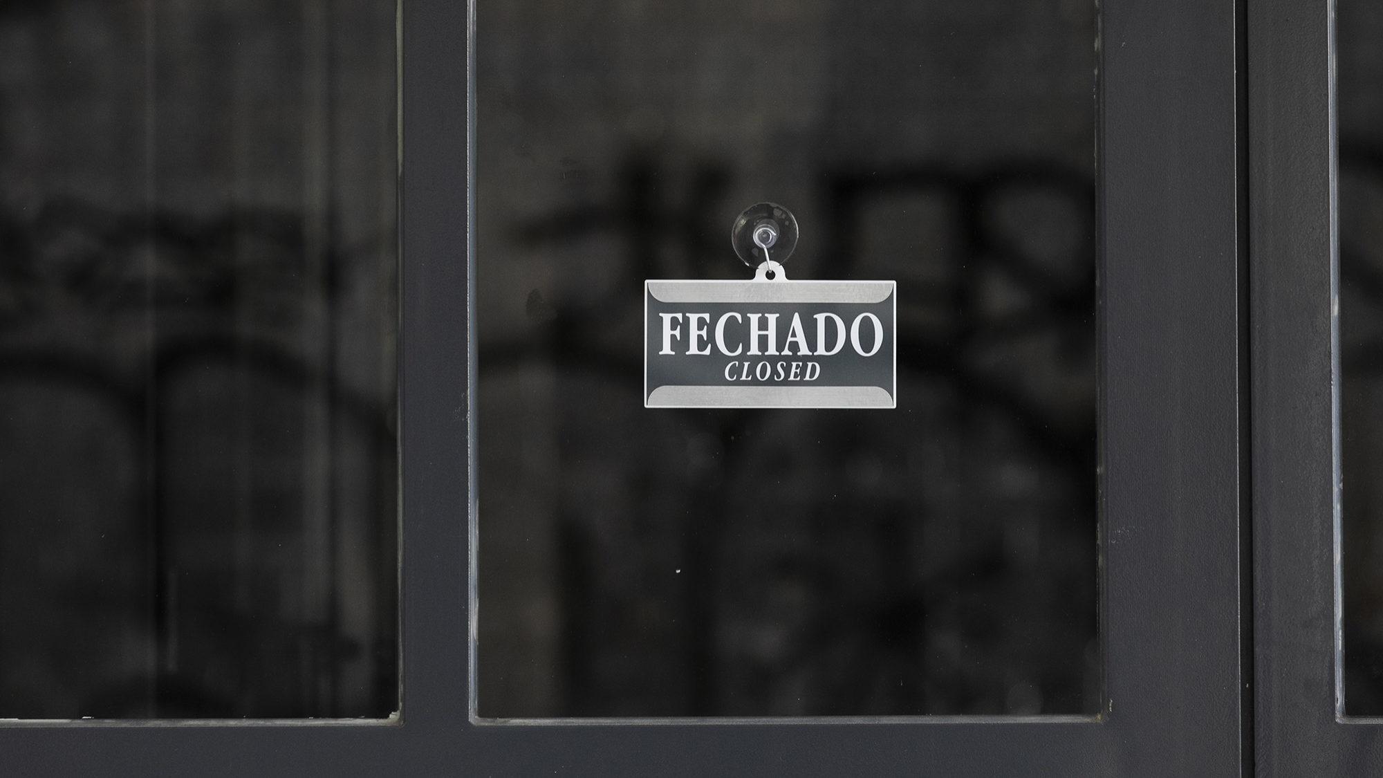 Estabelecimentos comerciais encerrados na baixa de Lisboa - 07ABR20